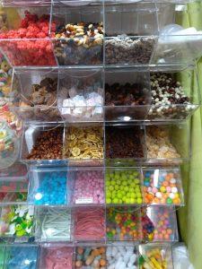 bonbons en vrac, Haribo, M&M's, confiserie, Poitiers